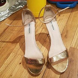 3b3407cb42fa Like new steve madden sillly rose gold heels